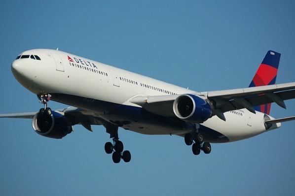 Airplane 749542 1280